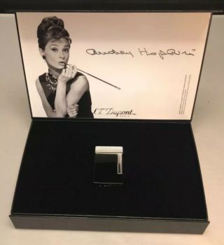 St Dupont Audrey Hepburn Thematic Edition Night Black Lacquer Ligne 8 Lighter