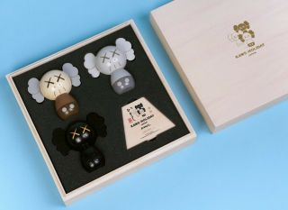Confirmed Order - Kaws: Holiday Japan Limited Kokeshi Doll Set Of 3 - Le Of 1000