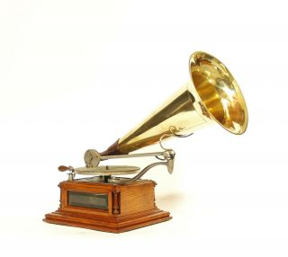 """1900 Zonophone """" A """" With Glass Sides & Uncommon Phonograph"""