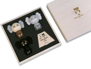 Kaws: Holiday Japan Limited Kokeshi Doll Set (set Of 3) Confirmed Order