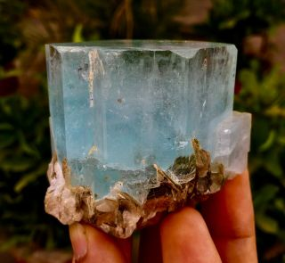 Wow 1235 C.  T Top Class Damage Terminated Blue Color Aquamarine Crystal