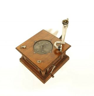 1903 Victor MS Phonograph w/Original Spear Tip Wood Horn & Stunning 10