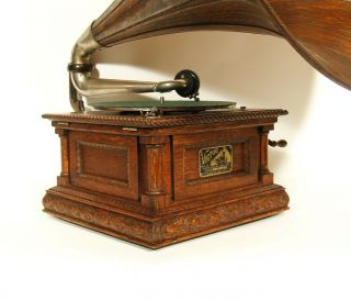 1903 Victor MS Phonograph w/Original Spear Tip Wood Horn & Stunning 7