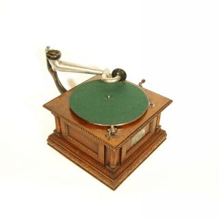 1903 Victor MS Phonograph w/Original Spear Tip Wood Horn & Stunning 9