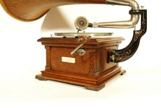 Near 1907 Victor II Phonograph w/Spear Tip Wood Horn Gorgeous 3