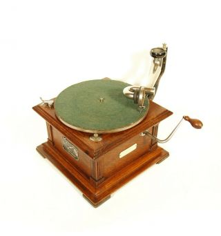 Near 1907 Victor II Phonograph w/Spear Tip Wood Horn Gorgeous 5