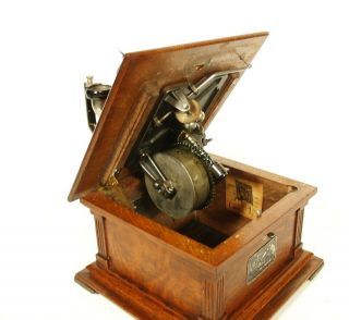 Near 1907 Victor II Phonograph w/Spear Tip Wood Horn Gorgeous 9
