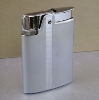 Ronson Varaflame Petite Semi - Automatic Gas Pocket Lighter 1960