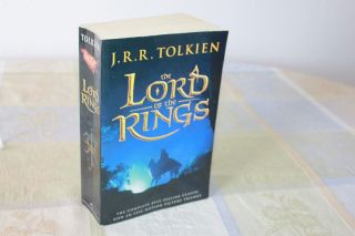 The Lord Of The Rings Trilogy One Volume Edition - J.  R.  R.  Tolkien (paperback)
