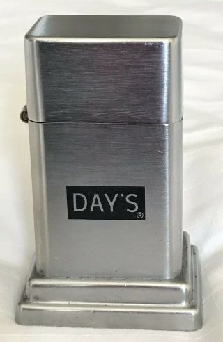 """Vintage 1950/60s Barcroft Zippo """"day's"""" Table Lighter"""