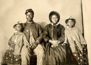1863 - Civil War - African American Soldier W/ Wife & Daughters - Only Known Family