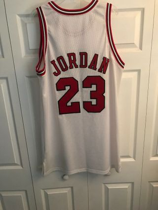 Michael Jordan Game Worn 97 - 98 Bulls Home Jersey