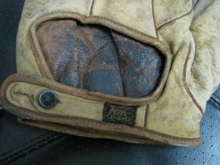2 OLD BASBEALL GLOVES D&M AND STALL & DEAN SPECIAL 8060 4