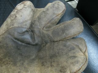 2 OLD BASBEALL GLOVES D&M AND STALL & DEAN SPECIAL 8060 5
