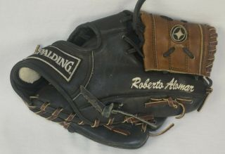 Roberto Alomar Professional Model Game Issued / Spalding Glove Blue Jays