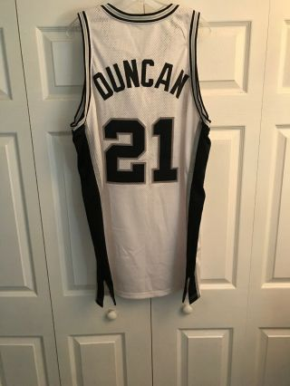 Tim Duncan Game Worn 99 - 00 Spurs Home Jersey Loa