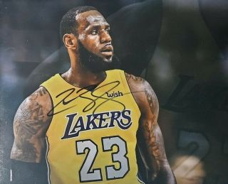 Lebron James Hand Signed 8x10 Photo W/ Holo