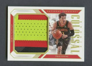 2018 - 19 National Treasures Colossal Trae Young Hawks Rc Rookie Patch /25