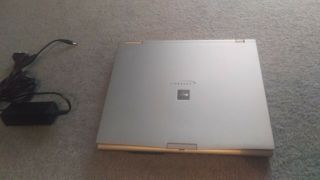 Rare Vintage 20 Year Old Fujitsu Lifebook E Series E - 6550 Windows 98 95 Nt 2000