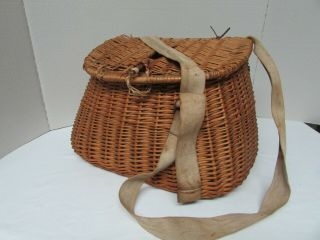 Vintage Fishing Creel Fly Trout Fishermans Wicker Basket Canvas Strap
