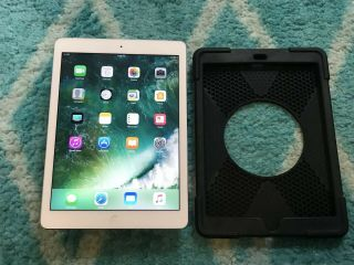 Apple Ipad Air 1st Gen 32gb Wifi 9.  7in Silver Rare Ios 10.  3.  3 7637