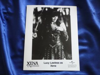 Ultra Rare Xena (lucy Lawless) Playing Callisto Press Kit 8x10 Promo Photo