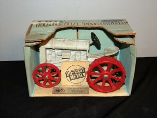 Ertl Ford Antique Fordson Tractor 804 1/16 Scale