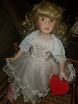 "Paradise Galleries Porcelain16 "" Doll Valentine Box (linda Mason) Needs A Bit Tlc"