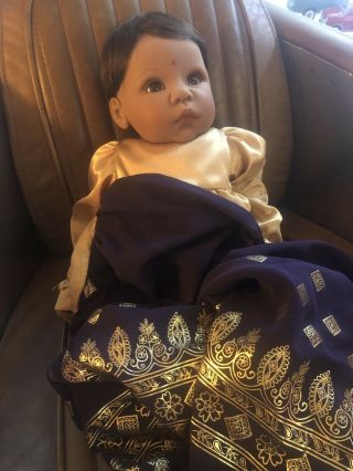 "Lee Middleton Newborn Dolls Collectable India 20 "" Doll"