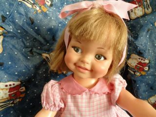 Vintage Adorable Giggles Doll - 1966 Love The Dimples