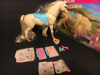 Vintage 1995 Barbie Horse Nibbles 14879 Magnetic Mouth