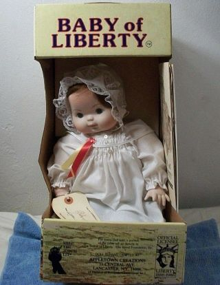 Vintage Signed Doris Huber Baby Of Liberty Doll Oct 1986 Levine 1690 Usa Made