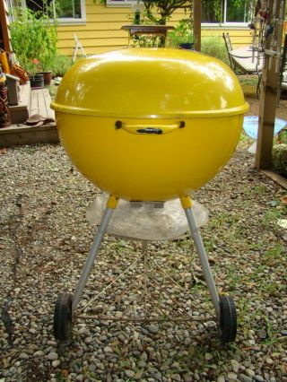 "Vintage Weber Kettle Grill Rare Yellow 22.  5 "" Bbq"