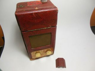 Rare Vintage Air King Red Snakeskin Camera W/ Tube Battery Radio Model A - 410