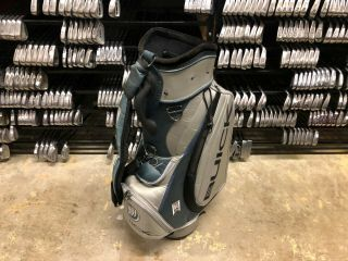Rare Limited Edition Tiger Woods Buick Staff Bag Silver & Blue Nike Tw Display
