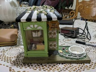 Yankee Candle Pet Hotel Tart Warmer Burner Retired Rare