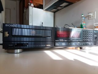 Sony Cdp - 307esd Cd Player.  Very Rare With High End Philip